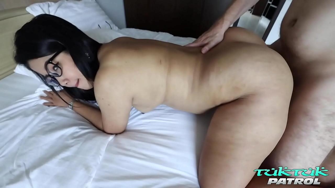 ดูหนังโป๊ TukTukPatrol Plump Big Booty Asian Takes it all AV PORN XXX